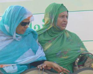 الشيخة الفنانة المعلومة بنت الميداح خلال أحد مهرجانات المعارضة (عدسة الصدى)
