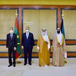 وزير الخارجية يسلم رئيس مجلس وزراء الكويت رسالة خطية من الرئيس غزواني